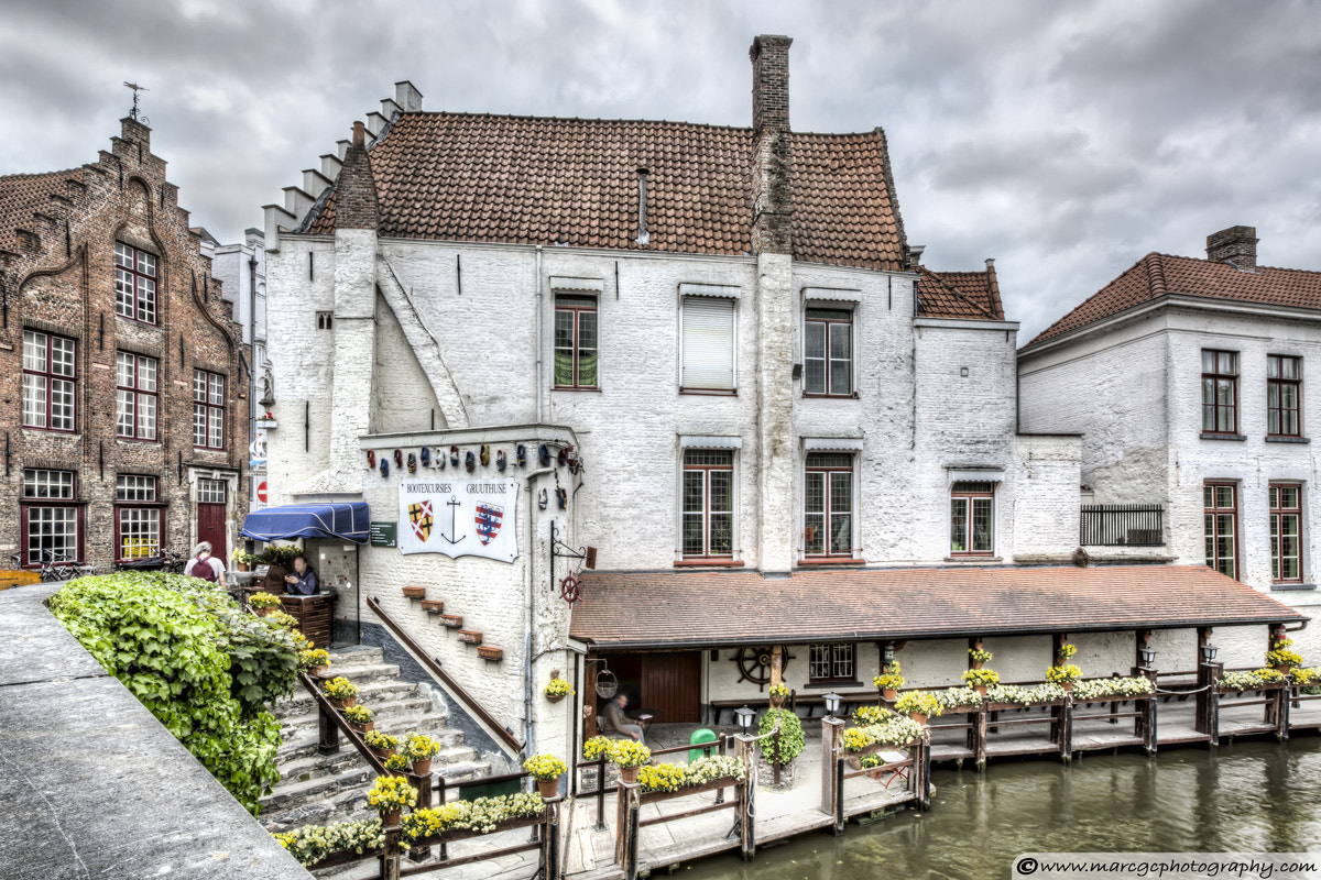 Photograph A White House in Bruges, Belgium by Marc Garrido on 500px