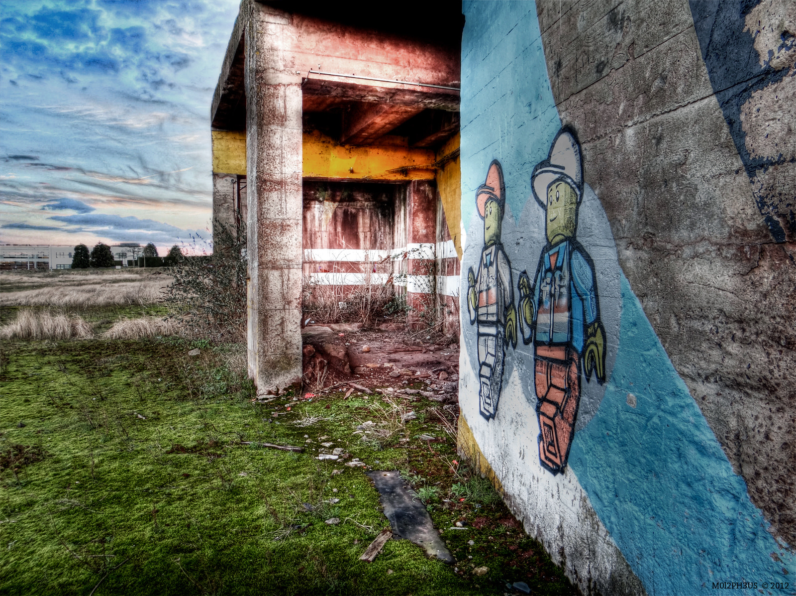 Photograph Graffiti Lego by Ivan Lerosier on 500px