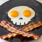 ������, ������: Skull Eggs and Cross Bacon