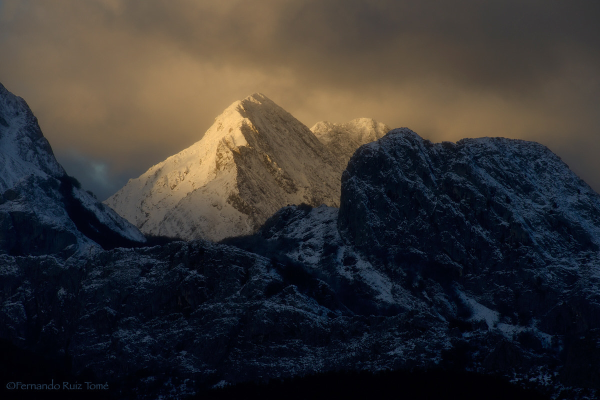 Photograph The Gold Mountain by  Fernando Ruiz Tomé on 500px