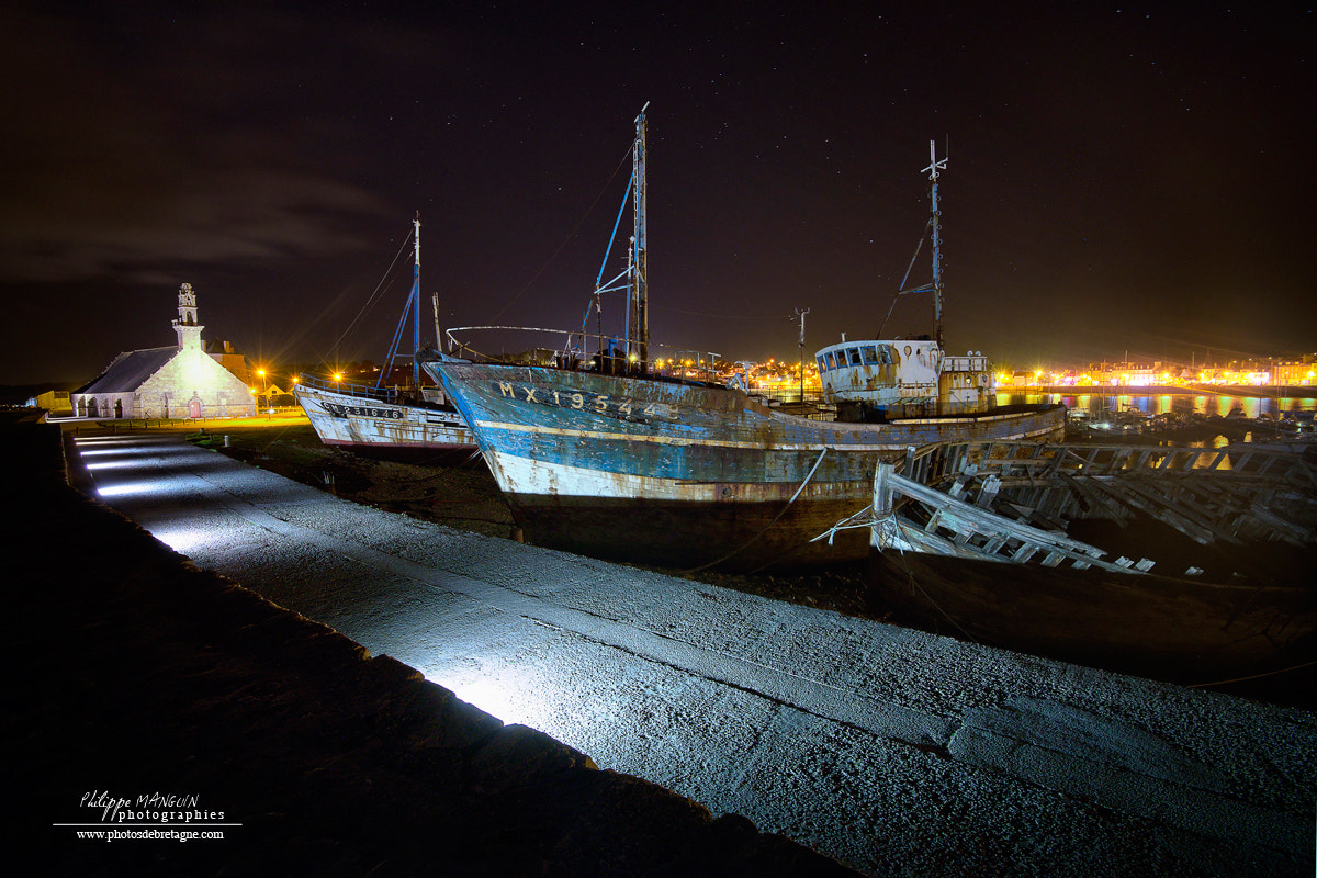 Photograph CAMARET BY NIGHT by Philippe MANGUIN on 500px