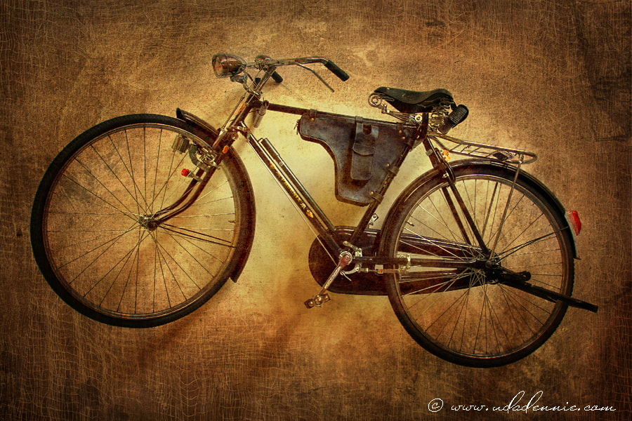 Photograph onthel bicycle by Uda Dennie on 500px