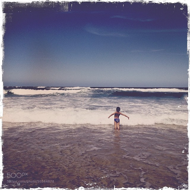 Photograph Judah pup says hello to the beach.... #goldcoast #waves #hipstamatic #ocean #beach by DJ Paine on 500px