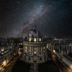 Oxford University under the winter Milky Way by Yunli Song
