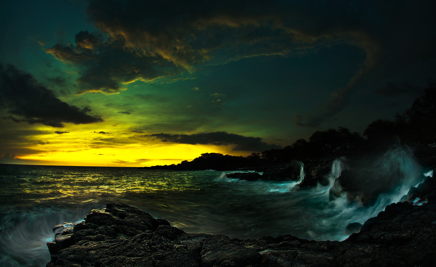 Photograph Kealakekua Bay Sunset by Andrew Walsh Photography on 500px