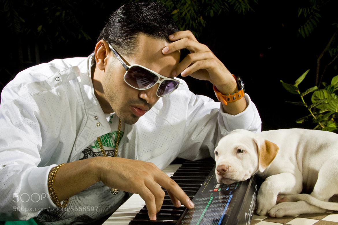 Photograph Inspire Songwriter, San Juan, Puerto Rico 2010 by Francisco Gierbolini on 500px