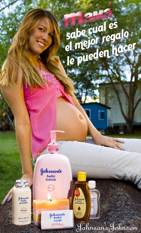 Photograph Mama sabe cual es el mejor regalo, San Juan, Puerto Rico 2010 by Francisco Gierbolini on 500px