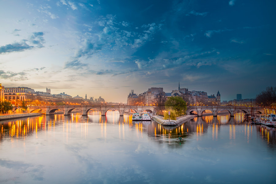 Photograph Pont Neuf Early Morning by Ramelli Serge on 500px