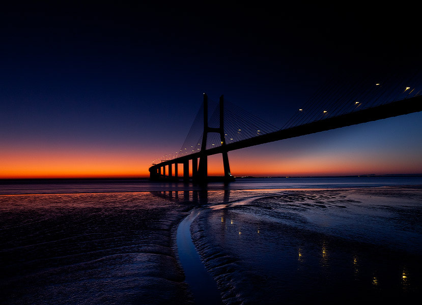 Photograph nigth at Lisboa by Luces Fotografia on 500px