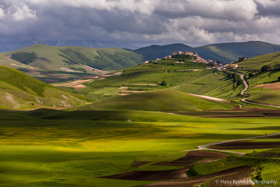 This photo was shot in May 2013 during a trip to Umbria together with one participant in the following Abruzzo May 2013 photo workshop.