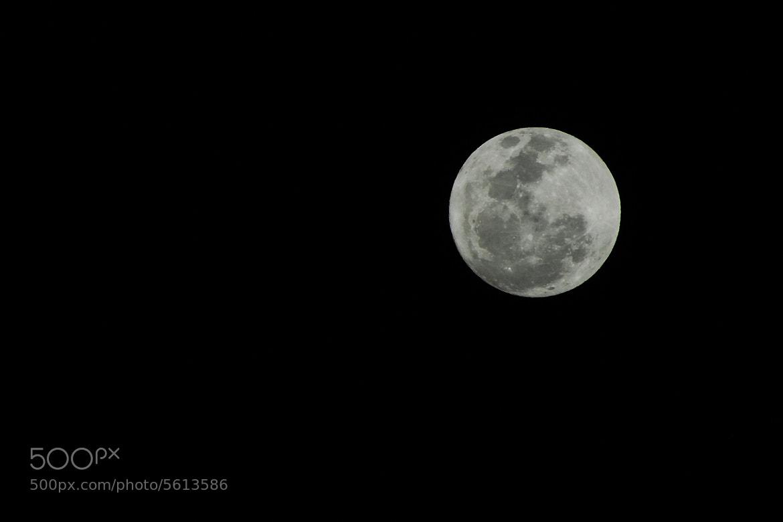 Photograph Full moon by Cristobal Garciaferro Rubio on 500px