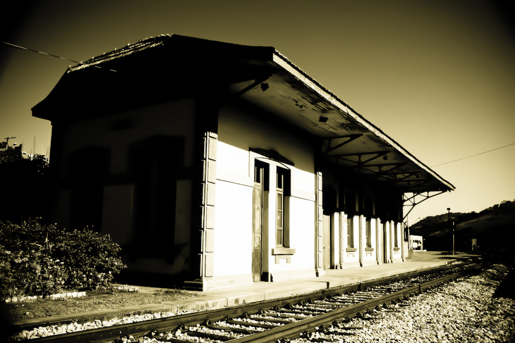 Photograph Train station by Rafael Craviee on 500px