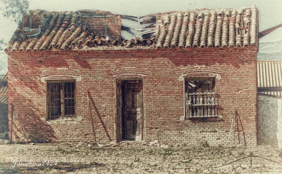 En ruinas by Jose Maria Ramos Montero (Josechino2424) on 500px.com
