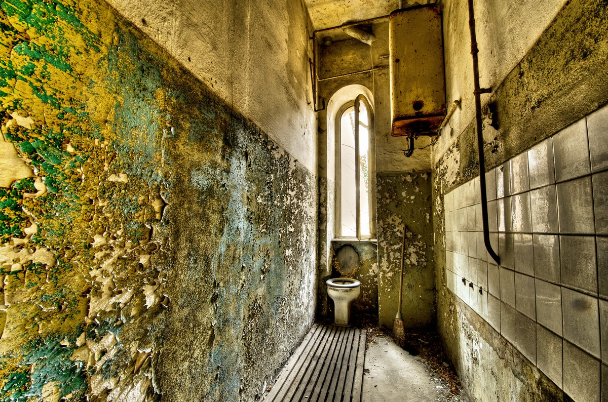 Photograph Truly a toilet this place by Giorgio Dalvit on 500px