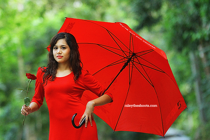 Photograph Lady in Red by rzleytheshoot photography on 500px