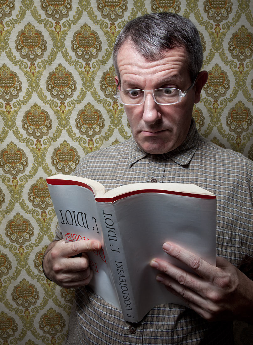 """Photograph Reading """"The Idiot"""" (F. Dostoïevsky) by Pierre Beteille on 500px"""