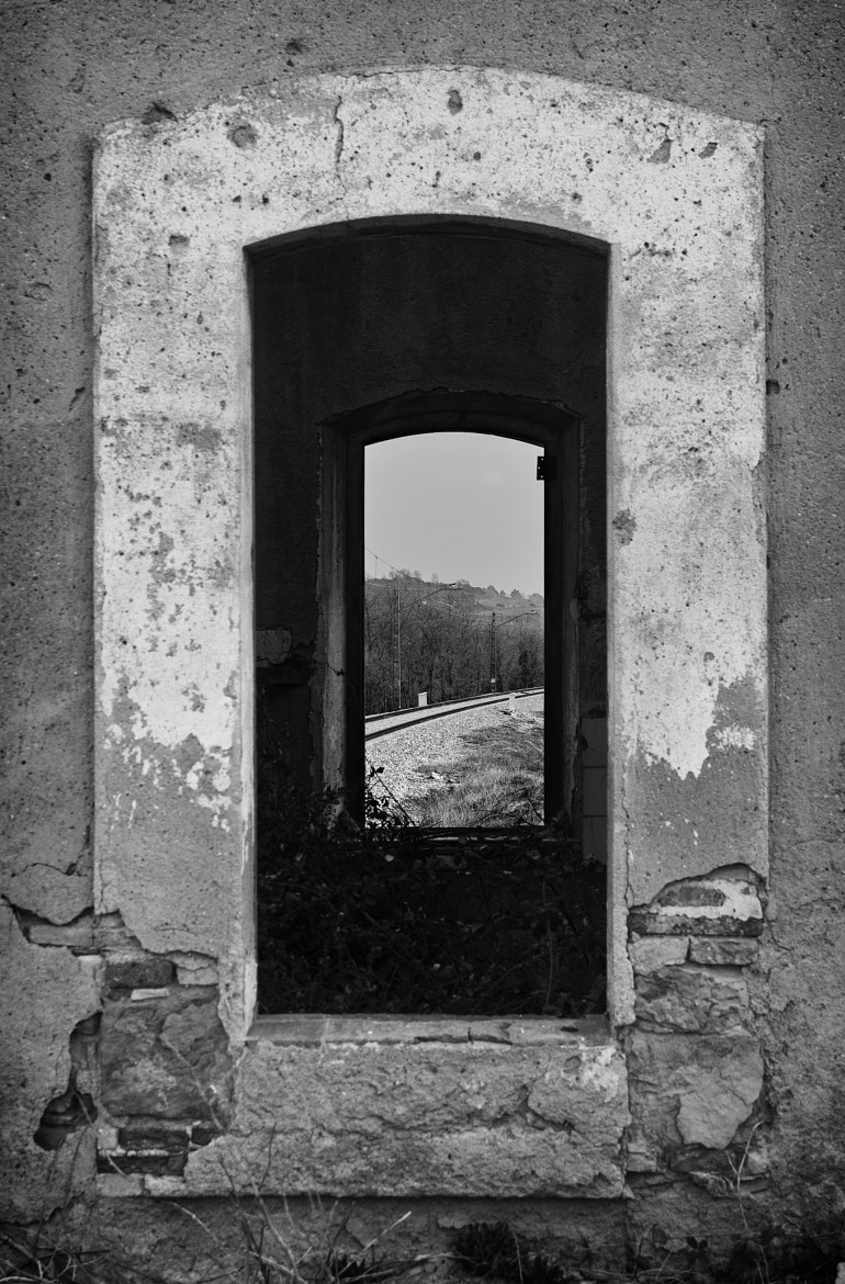 Photograph Window to a window to the trip by Roger Costa Vendrell on 500px