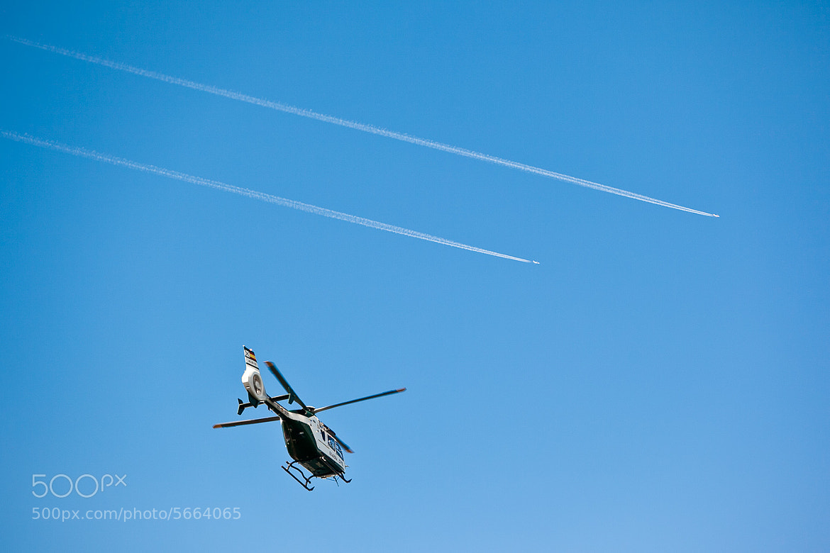 Photograph Transporte aéreo by Antonio Rull on 500px