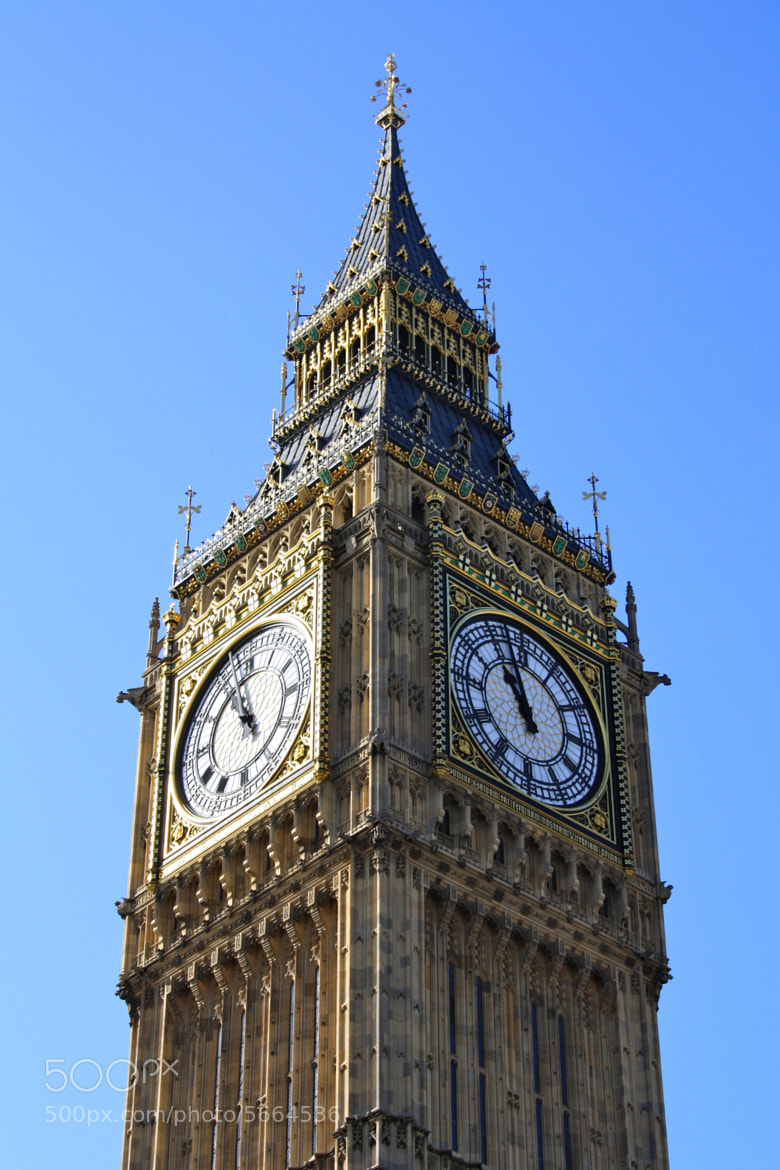 Photograph The Big Ben by Omar Cafini on 500px