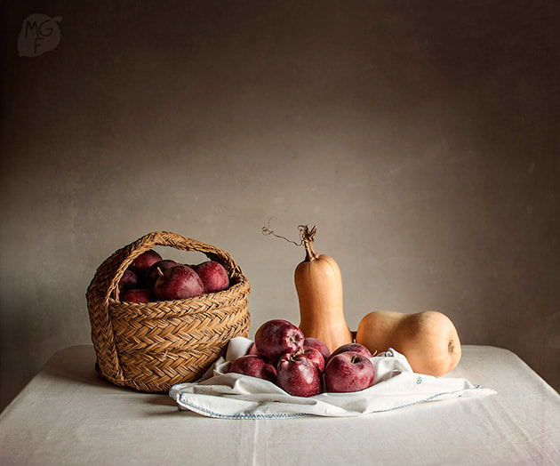 Photograph Apples and butternut squash by Miriam Garcia on 500px