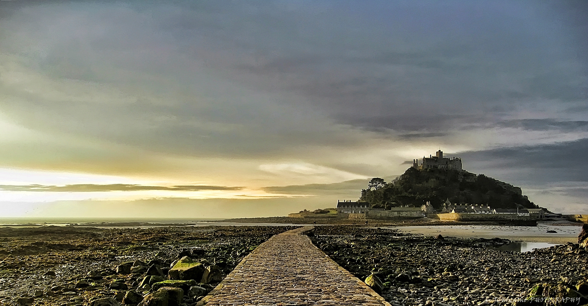 Photograph Good Morning St Michael´s mount by Joel Carvalho on 500px