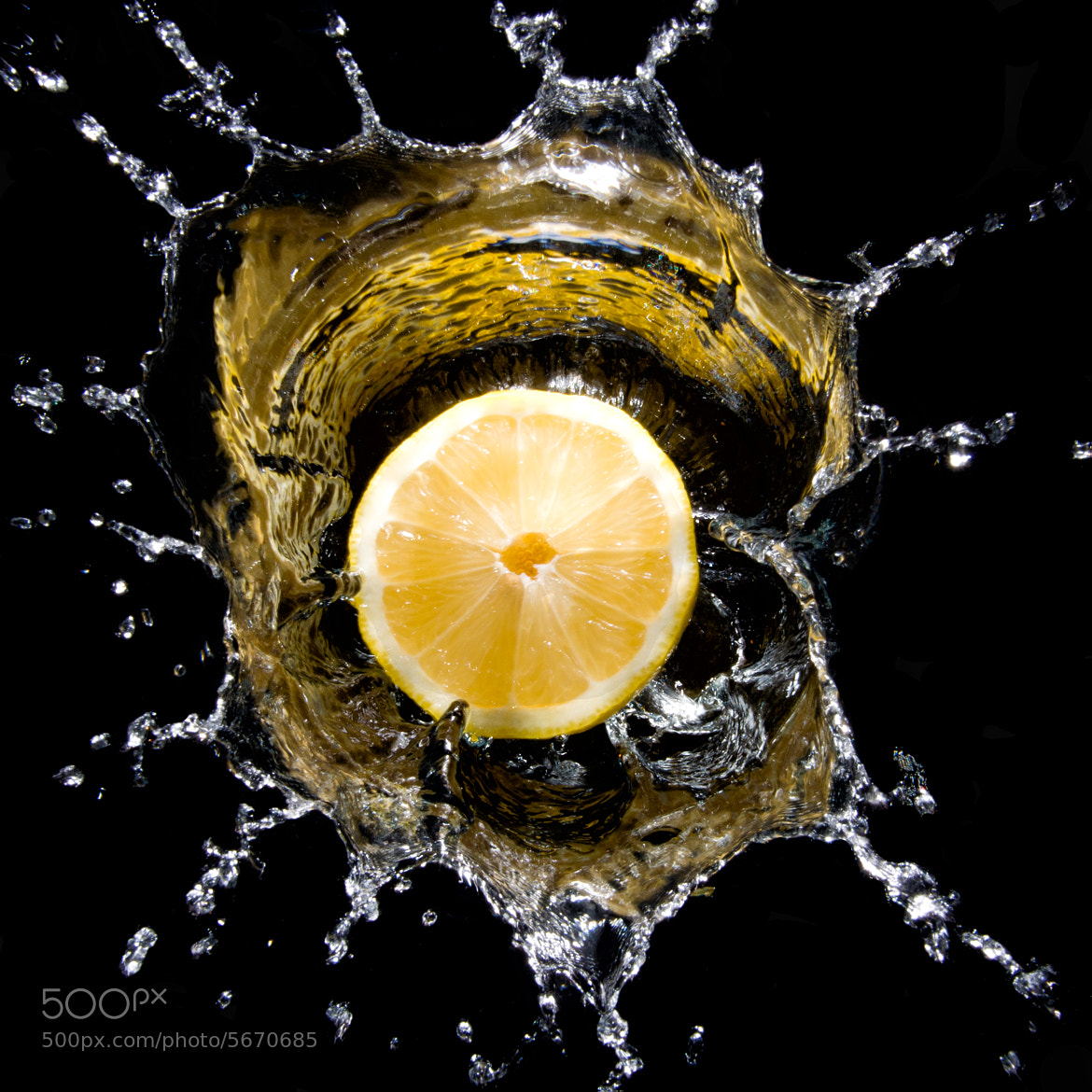 Photograph Lemon splash from top by Martin Cauchon on 500px