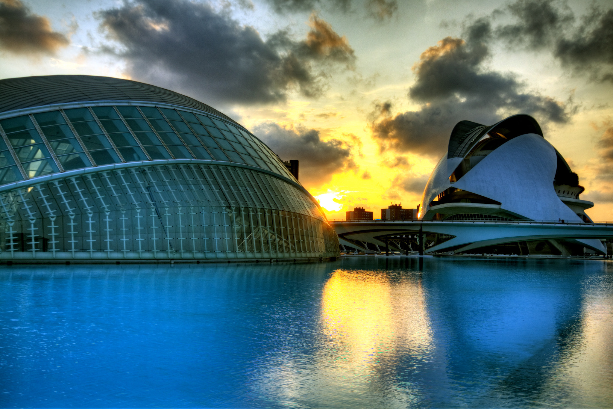 Photograph Palau de les Arts Reina Sofía and Hemesferic by Harald Wagener on 500px