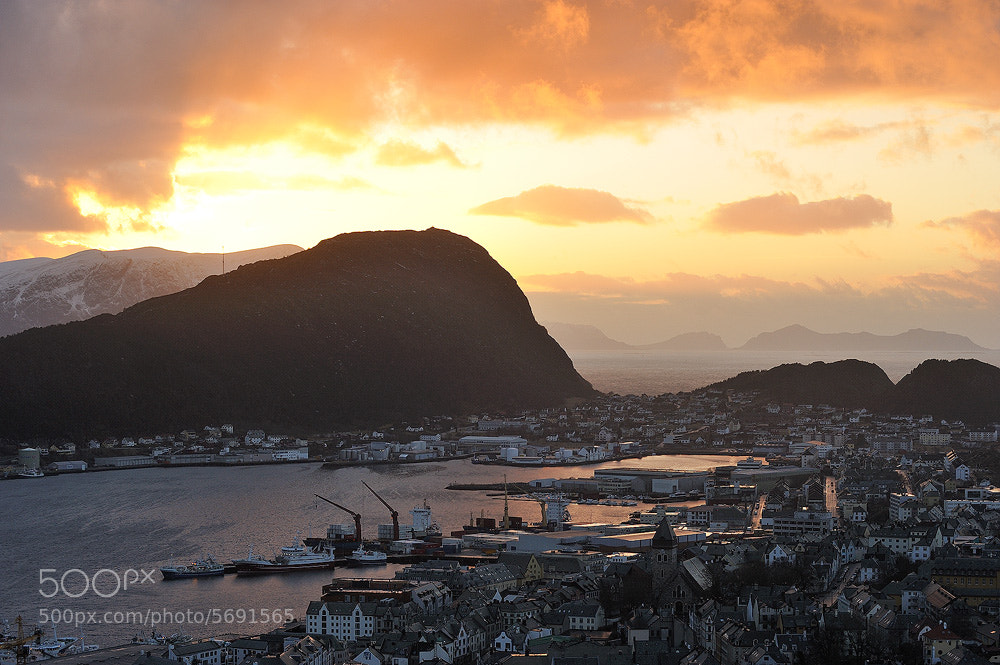 Photograph Sunset over Ålesund by Matija Sculac on 500px