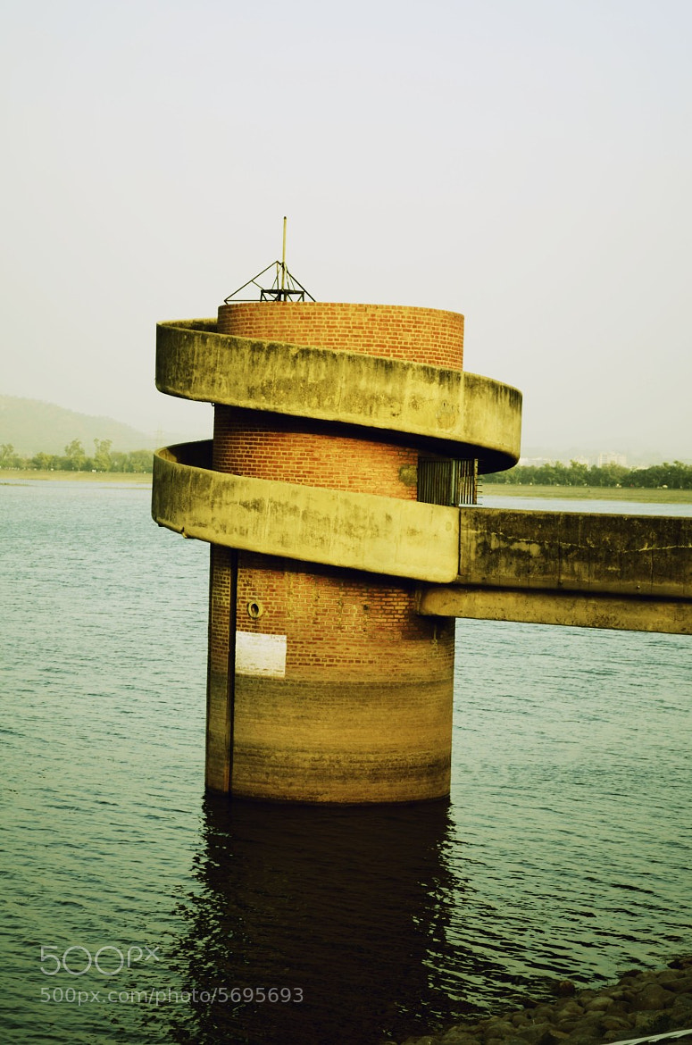 Photograph The infamous suicide point at Sukhna Lake by Parampreet Dhatt on 500px