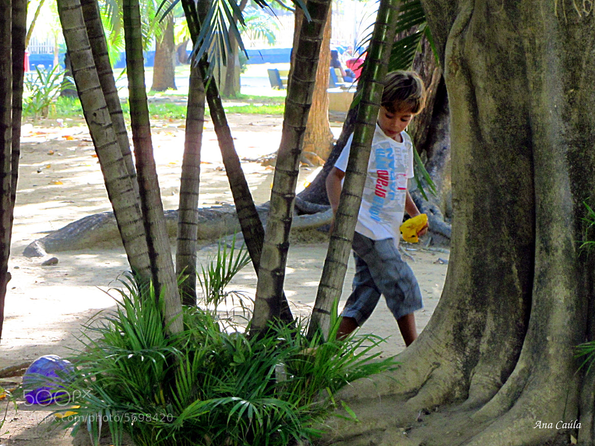 Photograph Menino brincando/ boy playing by Ana Caúla Cribari on 500px