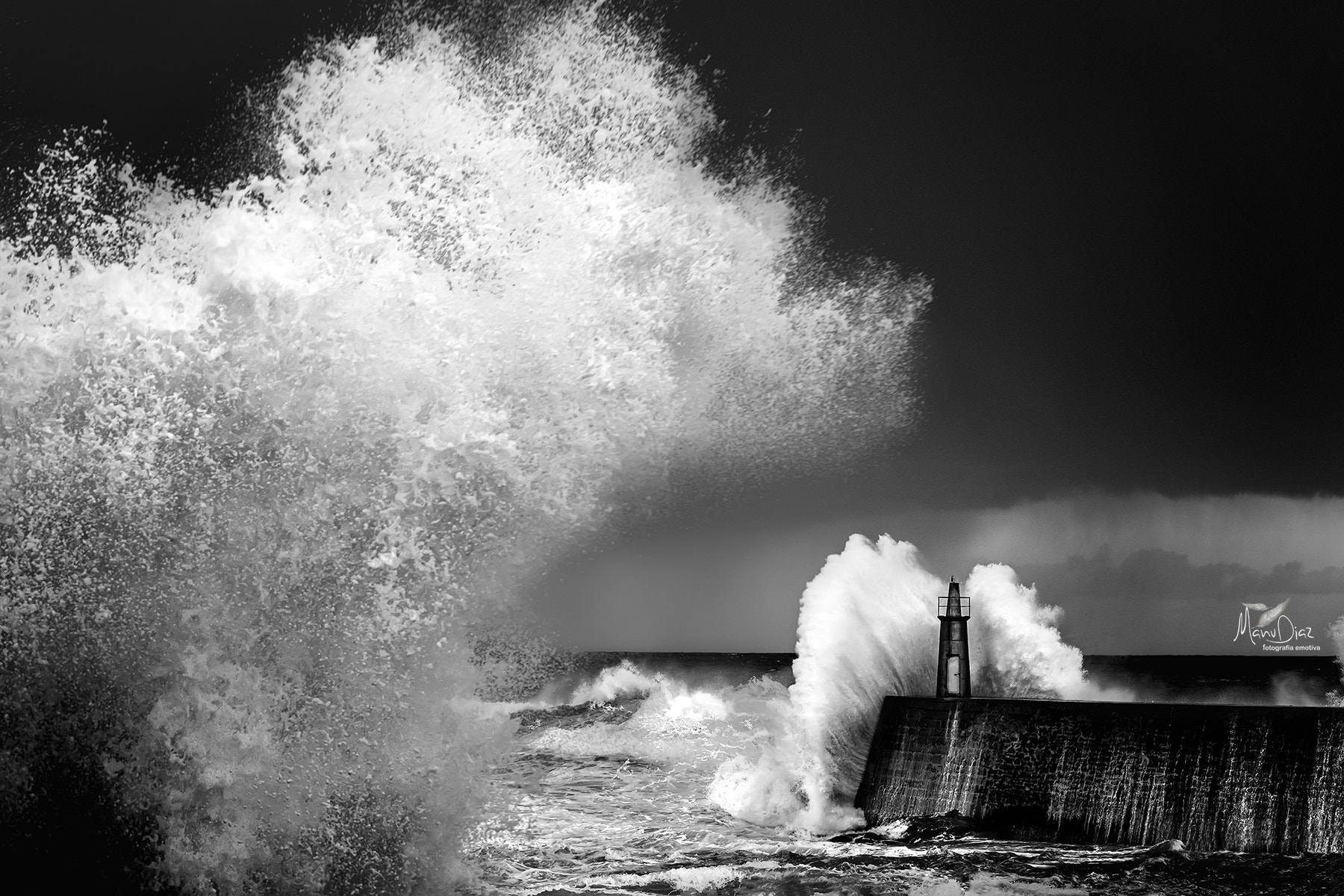 Photograph Storm II (B/N) by Manu Díaz on 500px
