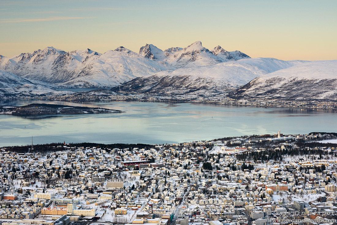 Photograph Tromso et ses montagnes by Sylvain Clapot on 500px