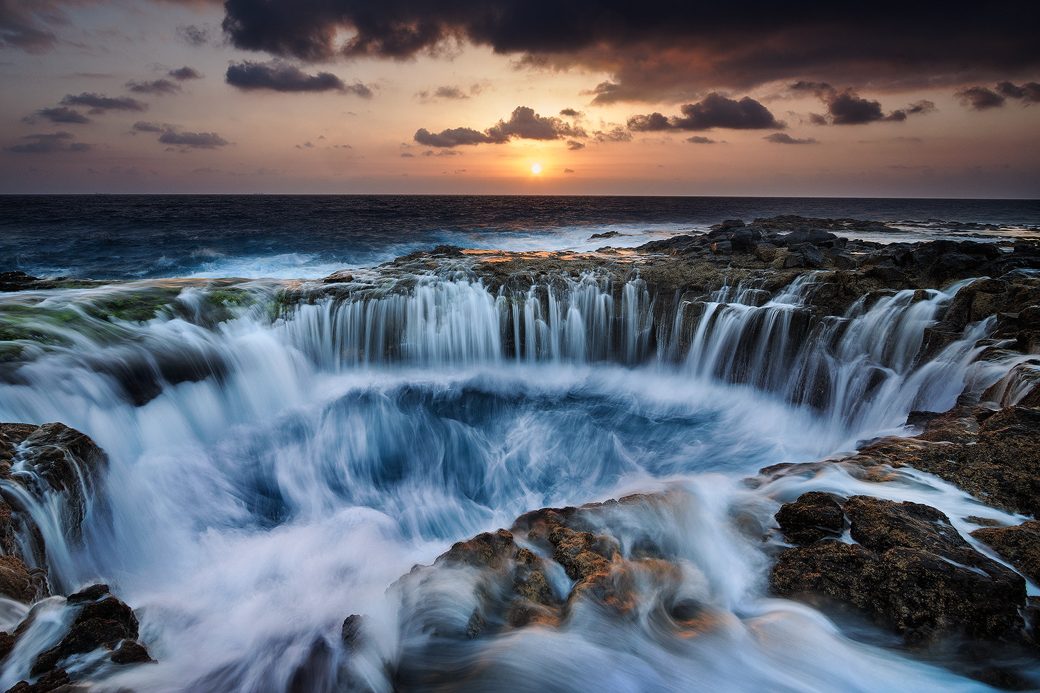 Photograph The hole by Cecilio Gomez on 500px