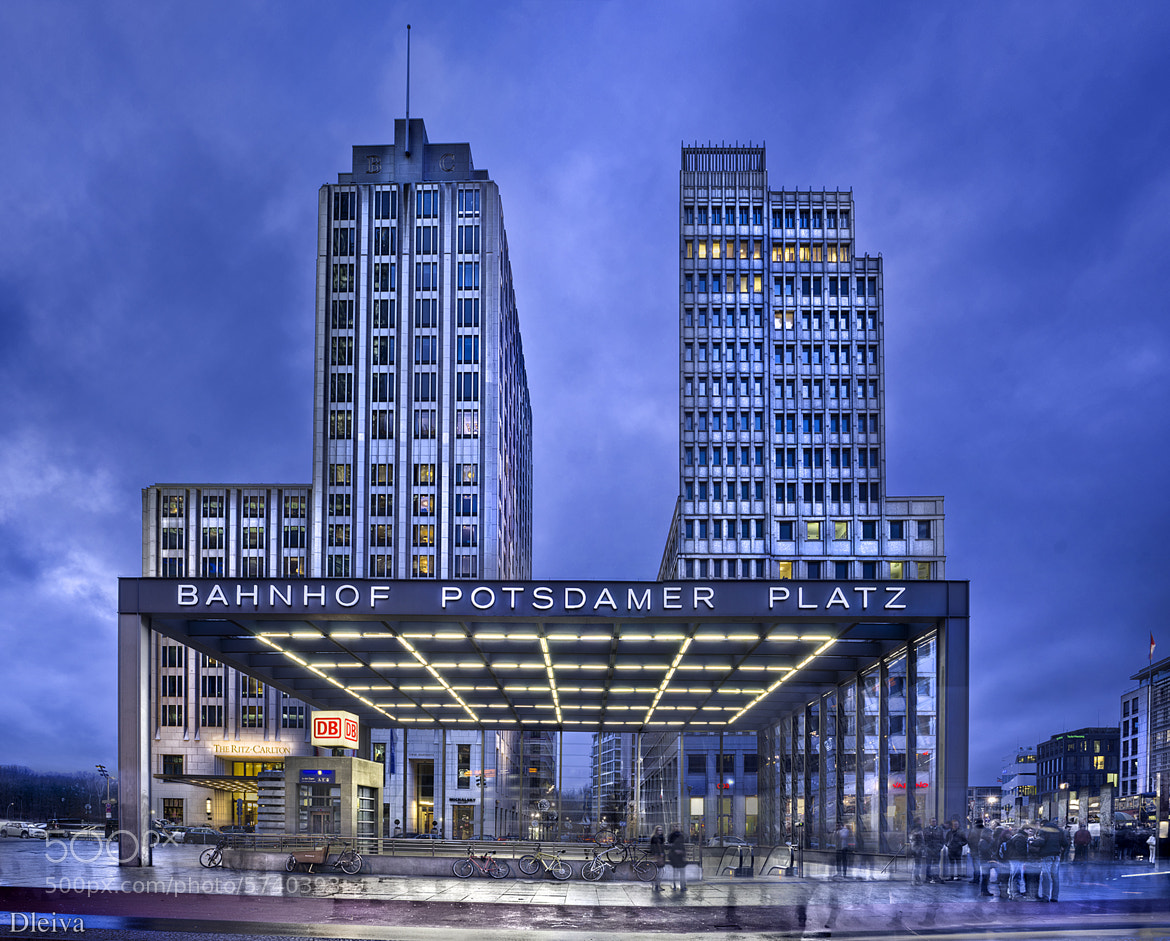 Photograph Posdamer Platz (Berlin) by Domingo Leiva on 500px