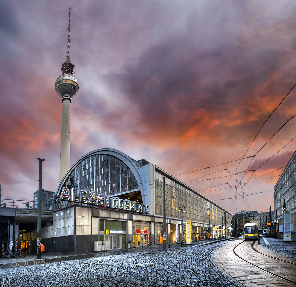 Photograph Alexanderplatz (Berlin) by Domingo Leiva on 500px