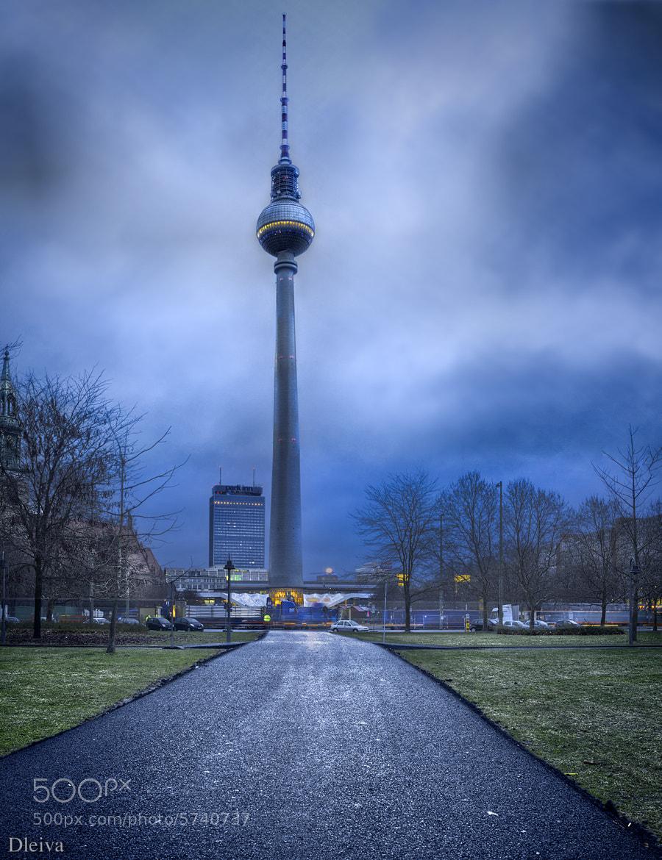 Photograph Alexanderplatz (Berlin) by Domingo Leiva on 500px
