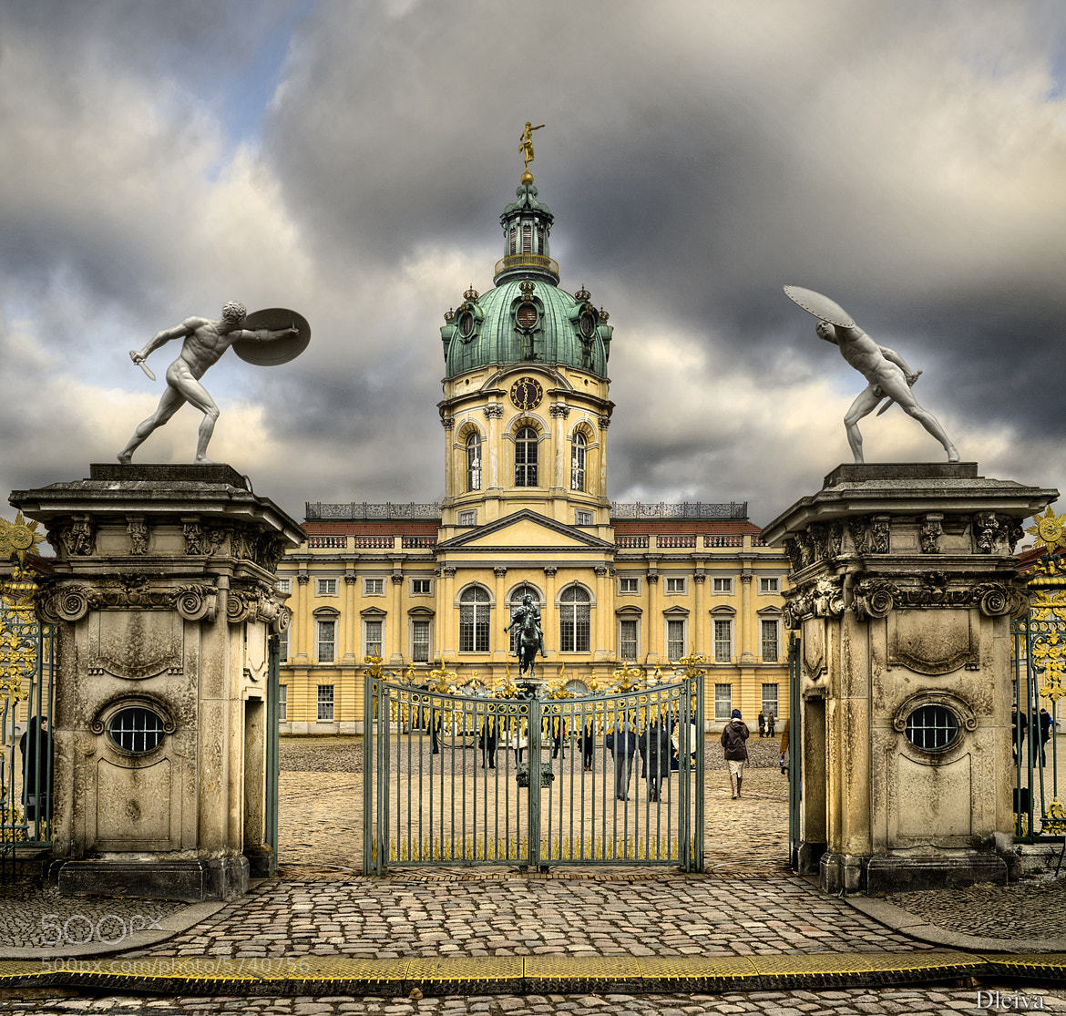 Photograph Palacio de Charlotenburg (Berlin) by Domingo Leiva on 500px