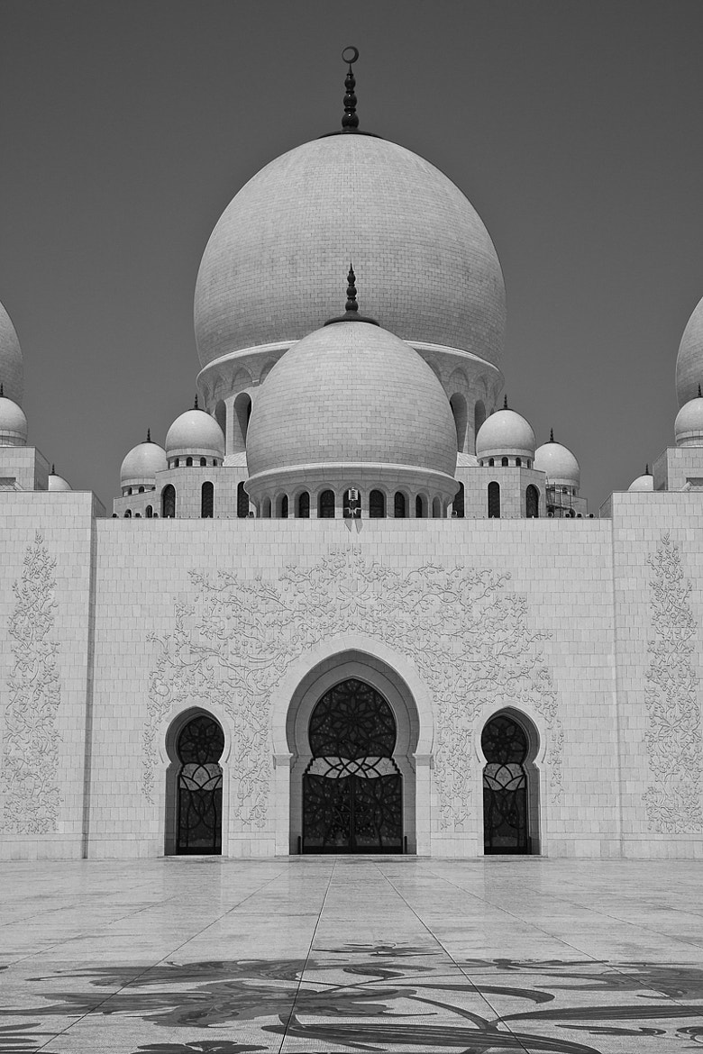 Photograph Sheikh Zayed Mosque, Abu Dhabi by ooooA8  on 500px