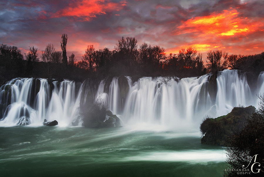 Not even the mighty Kravice waterfall on the Trebižat river could extinguish the fire in the sky above Herzegovina that evening