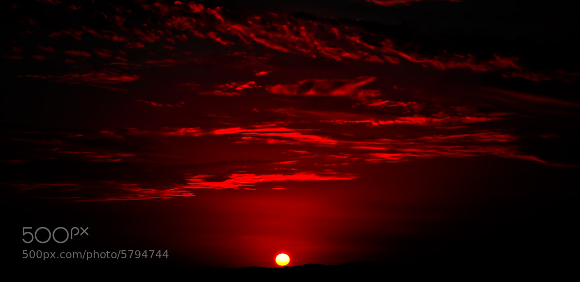 Photograph RED SUN by kamoon on the moon  on 500px