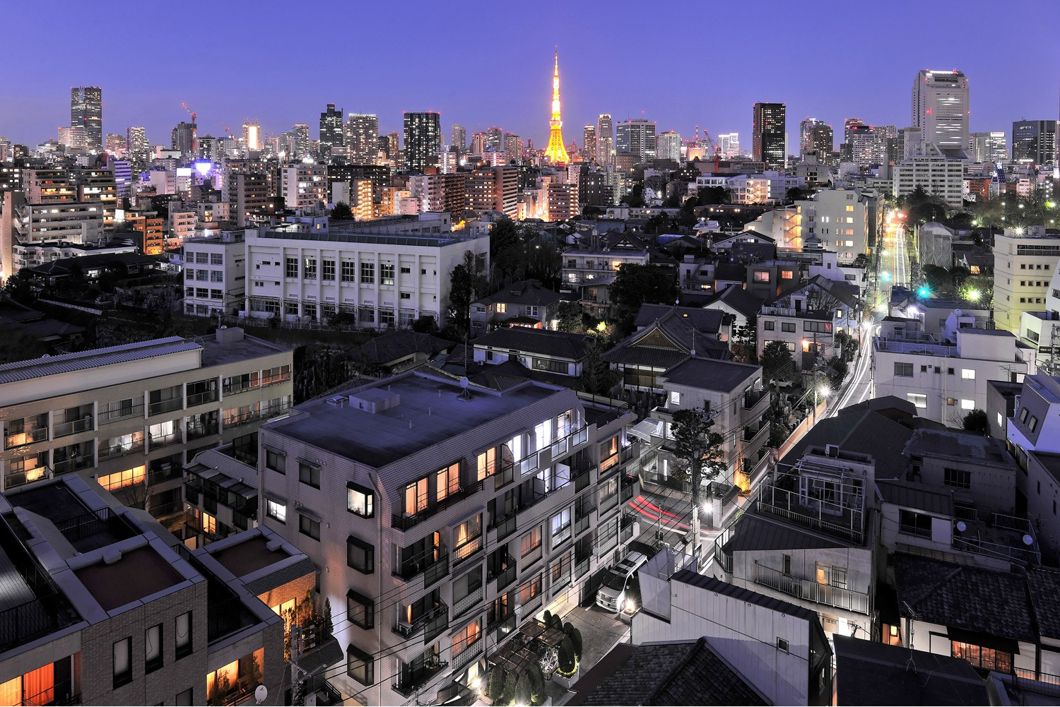 Photograph Tokyo nightfall by Laurent Thery on 500px
