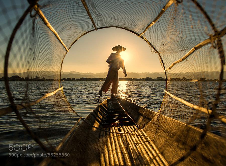 Photograph fisherman @ inle lake by hamni juni on 500px