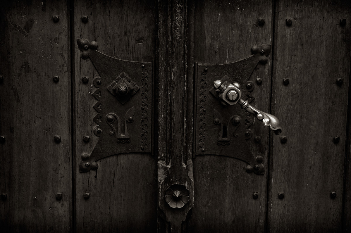 Photograph Church Door - Thomaskirche Leipzig by Carla Stringari Pudler on 500px