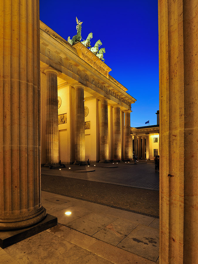 Photograph Brandenburger Tor in Berlin by go4silver on 500px