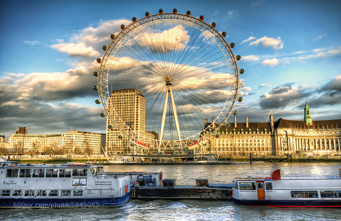 Photograph London Eye in the sky by Christopher Bowler on 500px