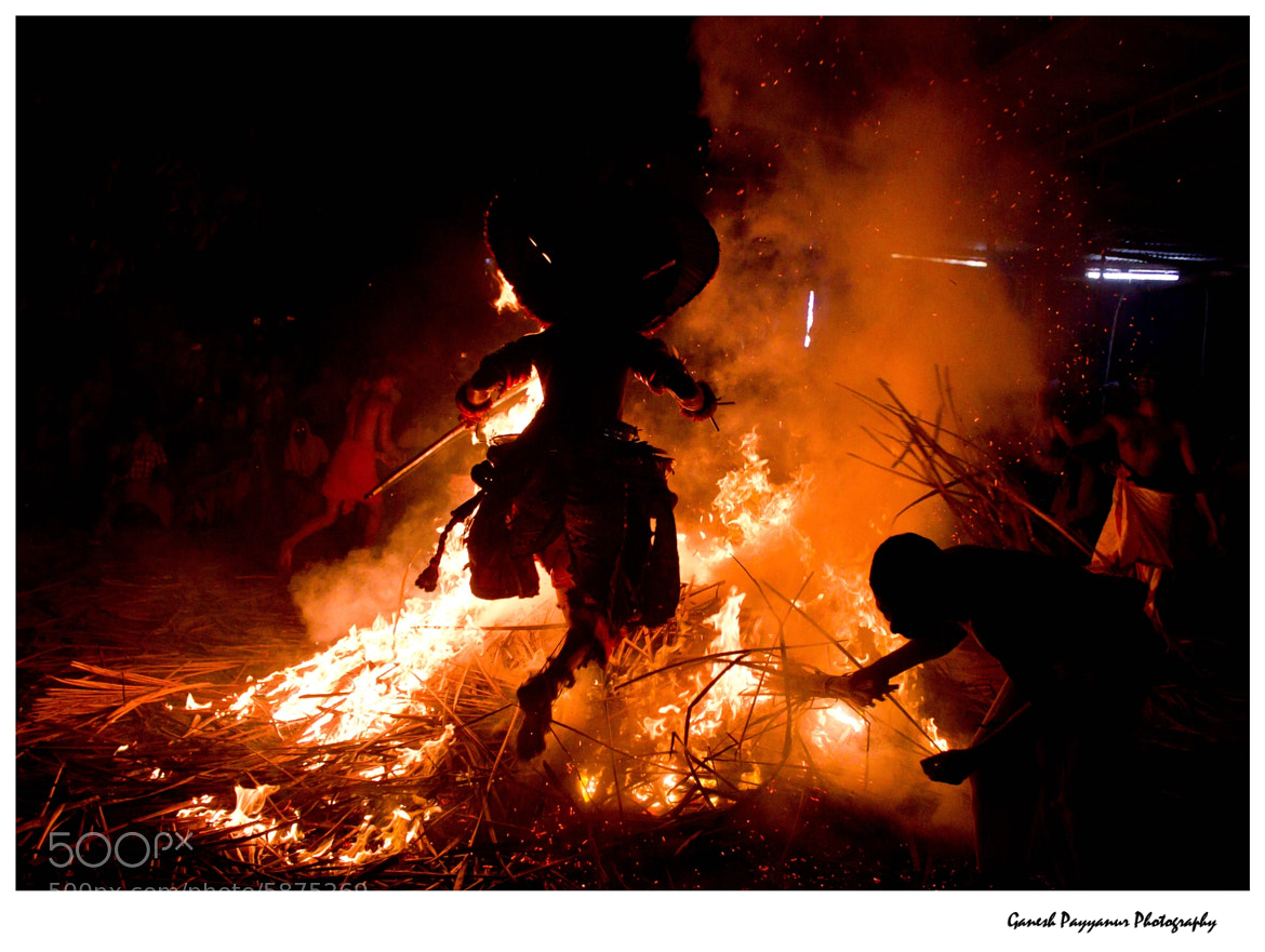 Photograph KANDAKARNAN THEYYAM by Ganesh Payyanur on 500px