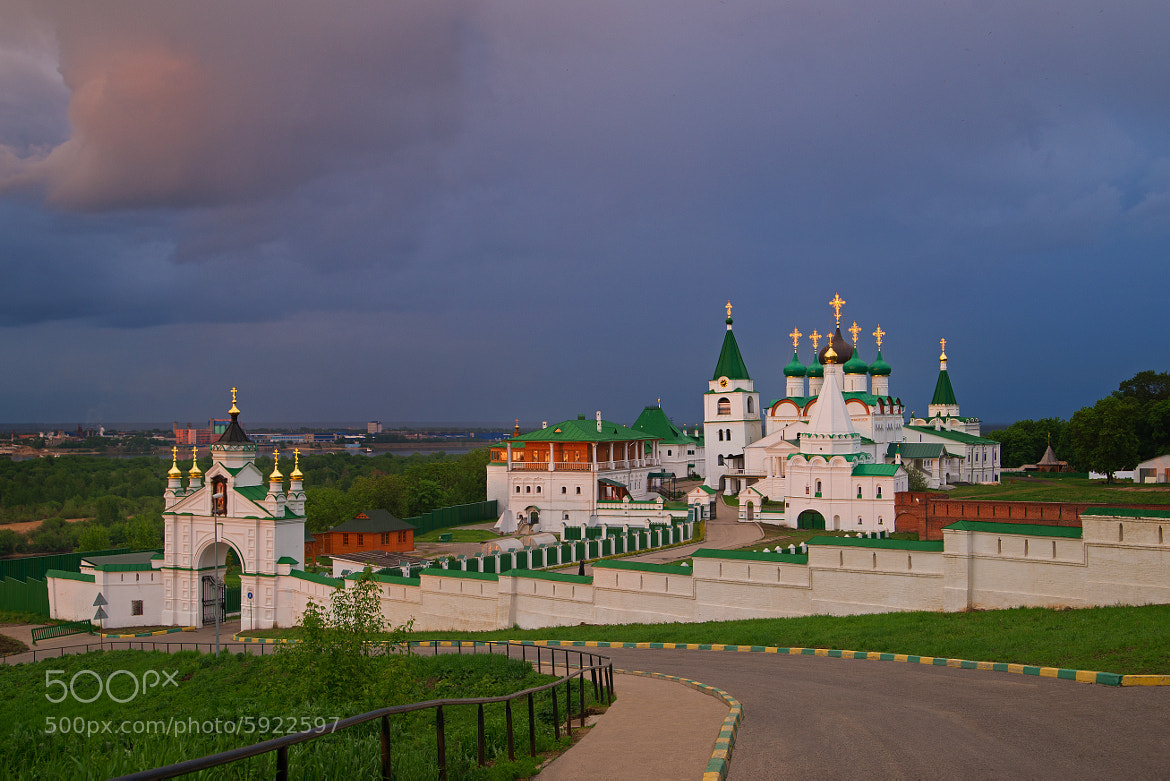 Photograph View of the Pecherskiy Monastery Nizhny Novgorod /2 by Vladimir Zotov on 500px