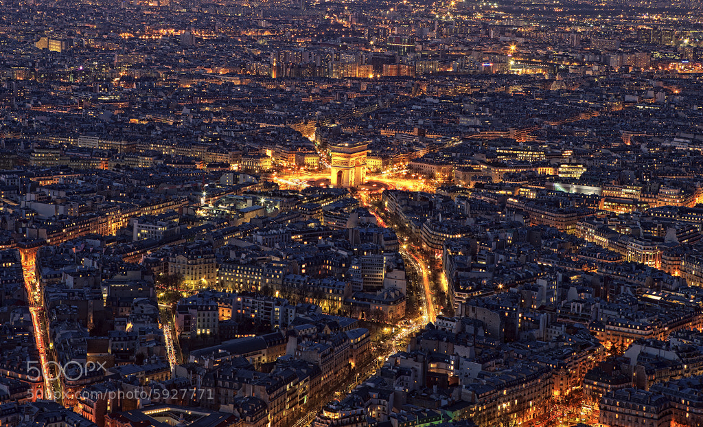 Photograph L'Arc de Triomphe by night by Cal Redback on 500px