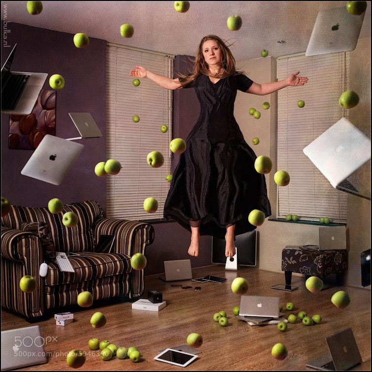 Photograph Apple In-Flight by Maria Netsounski on 500px