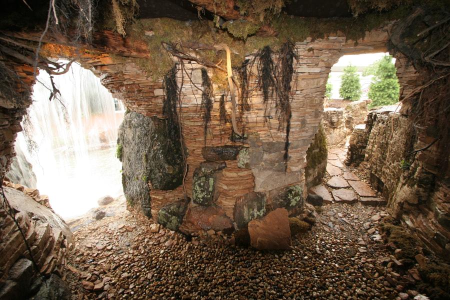 Aqualand Grotto